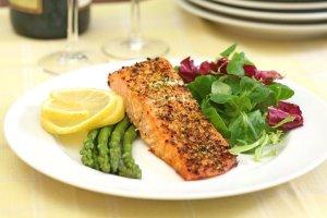 salmon and salad asparagus